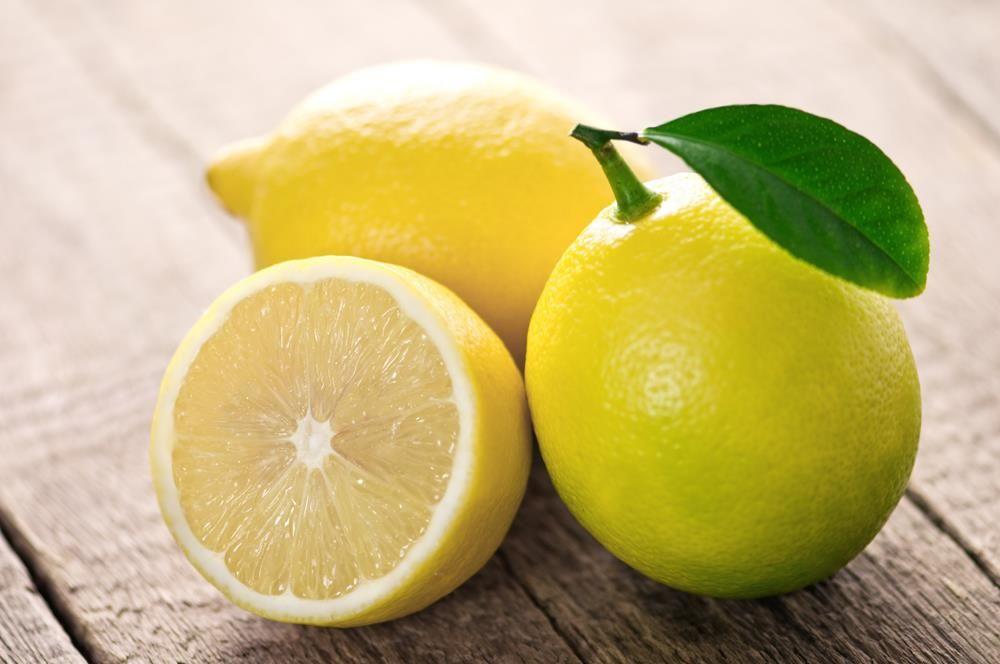 Лимон очищает сосуды